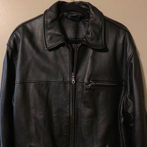 Roundtree & Yorke Men leather bomber jacket size L